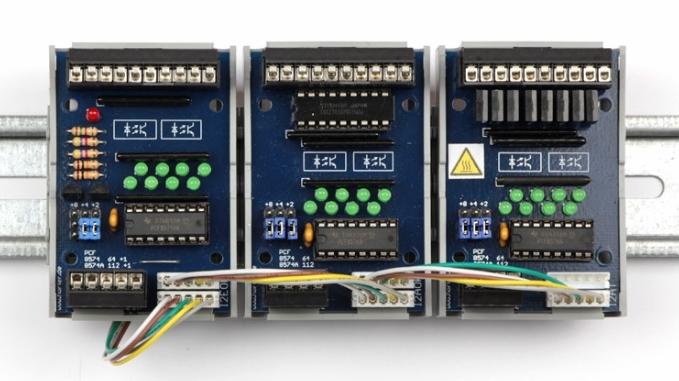 SPS-Baugruppen mit Optokopplern und Busverbinder